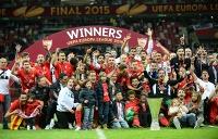 """Футболисты """"Севильи"""" установили рекорд по количеству побед в Кубке УЕФА/Лиге Европы - испанский клуб четыре раза выигрывал этот трофей"""