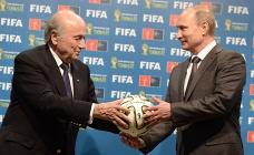 Владимир Путин и Йозеф Блаттер (справа налево)