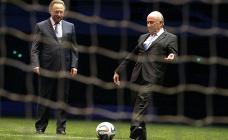 Министр спорта РФ Виталий Мутко и президент Международной федерации футбола (ФИФА) Йозеф Блаттер (слева направо).
