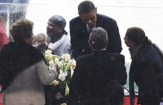 Президент США Барак Обама и президент Бразилии Дилма Роусефф (слева) на церемонии прощания с Нельсоном Манделой в ЮАР