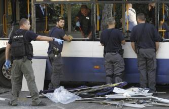 Συνέπειες της έκρηξης στο επιβατικό λεωφορείο στο Ισραήλ