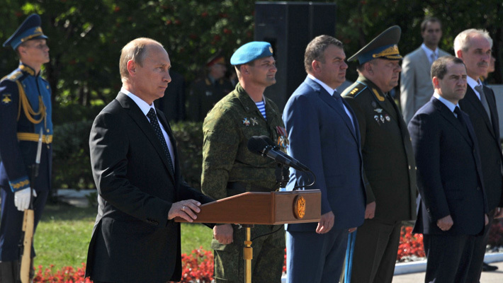 Путин поздравляет десантников
