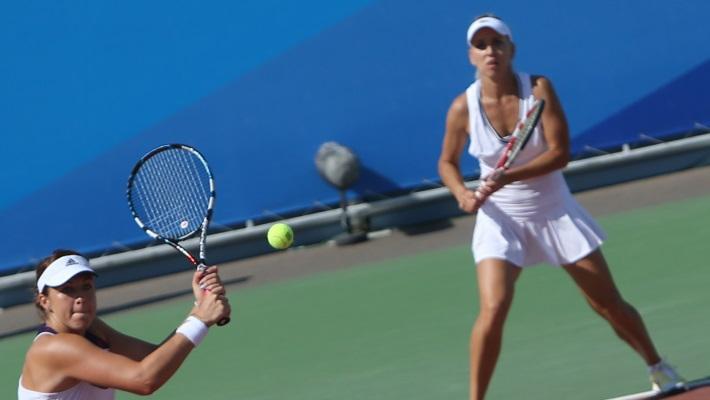 Анастасия Павлюченкова /слева/ и Елена Веснина
